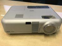 Projektor NEC VT660K